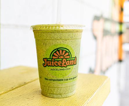 JuiceLand Wundershowzen Smoothie with almond milk, banana, spinach, hemp protein, peanut butter